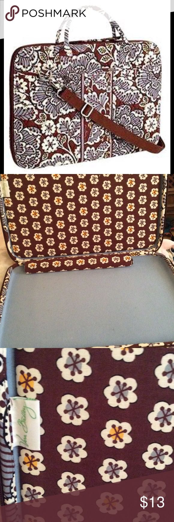Vera Bradley Laptop Case Used once or twice, clean no stains, rips or tears Vera Bradley Bags Laptop Bags