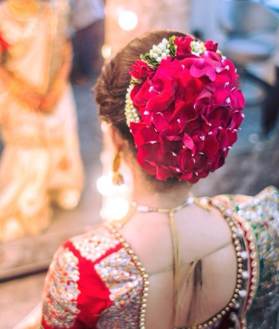 #Bridal hair do #flowersinHerHair #desiBride #dulhan #Shaadi in 2019 | Indian wedding hairstyles ...
