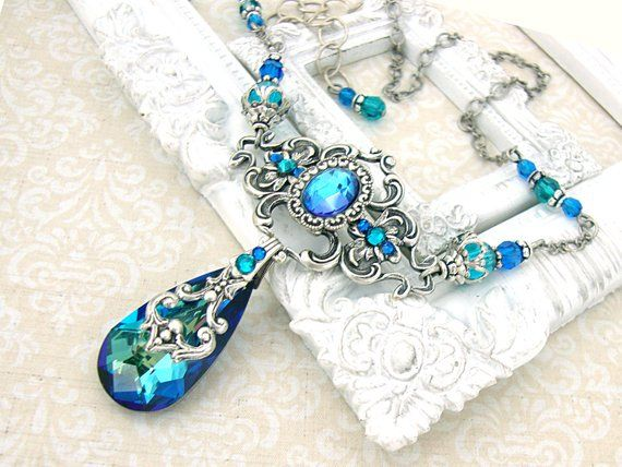Bermuda Blue Necklace – Victorian Peacock Wedding Necklace – Swarovski Crystal Jewelry Antique Silver Filigree Bermuda Blue Wedding Jewelry – 오브젝트