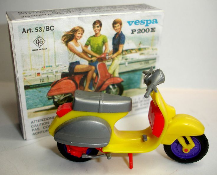 CGGC Grisoni Plastic Vespa Motorcycle Scooter with Box