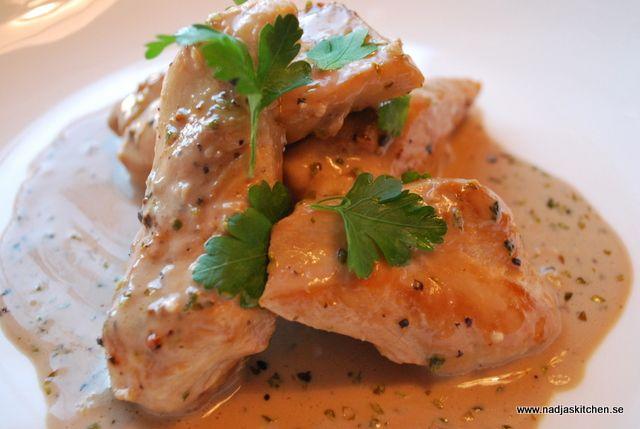 Kycklingi basamico- och oreganosås