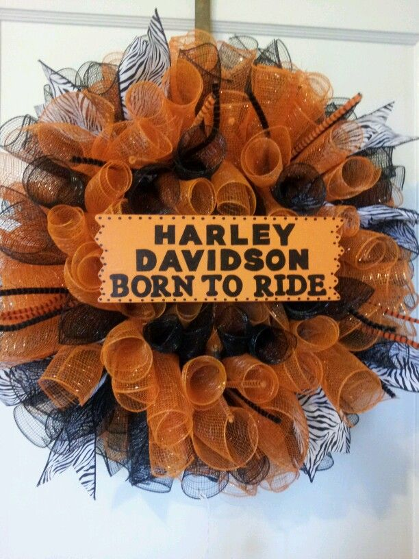 27 best images about harley wreath on pinterest football for Deco harley davidson