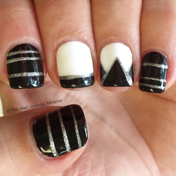 Silver Nail Art Designs: Black White Silver Nail Art Design