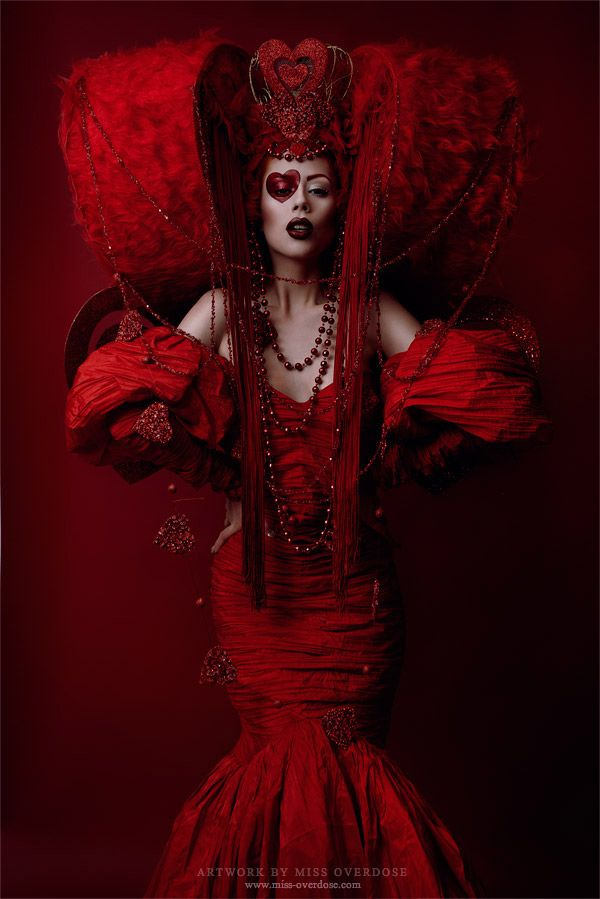 Ophelia Overdose - Fashion - Photography - Couture - Fantasy - Red - Queen - Alice - Wonderland - Queen Of Hearts