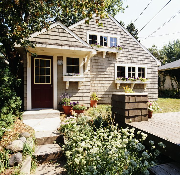 Lovely little thing: Frugal Girls, Bathroom Design, Small Home Organization, Home Organizations Tips, Organizations Ideas, Real Estates, Cottages Exterior, Bathroom Interiors Design, Window Boxes
