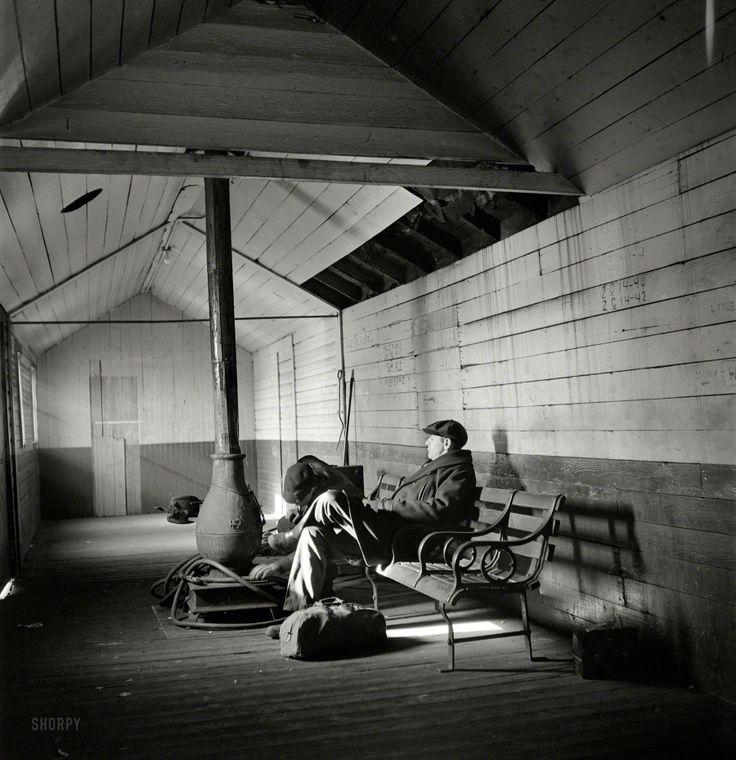 railroad-employee-waiting-room.jpg (1800×1860)