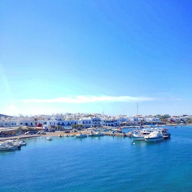 The beautiful Antiparos island (Αντίπαρος). Very picturesque small island with relaxing atmosphere ! Lovely White & Blue .