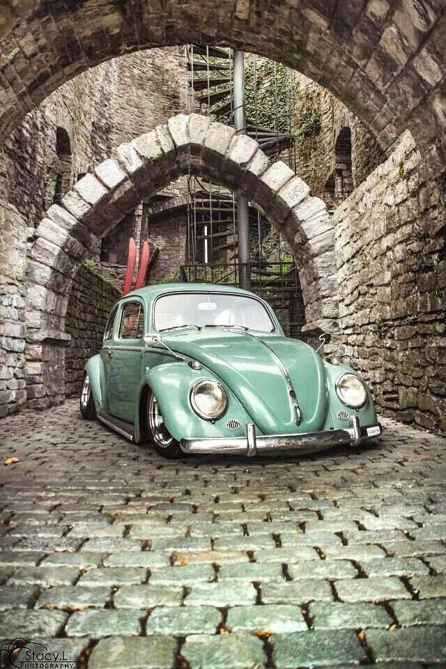 Visit The MACHINE Shop Café... ❤ Best of VW @ MACHINE ❤ Slammed Bug... Ready for Fun!