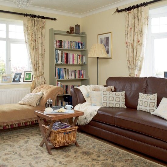 Bungalow Living Room: 17 Best Ideas About Bungalow Living Rooms On Pinterest