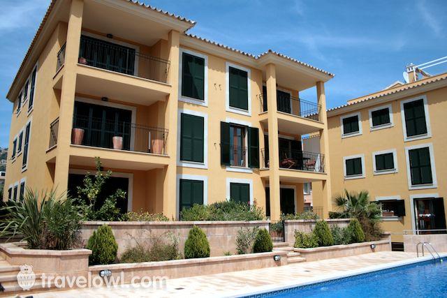 MAAN200 - 2 bedroom rental in Mallorca - TravelOwl