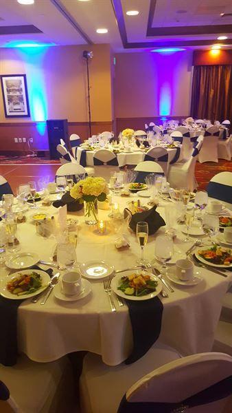Uplighting At A Wedding Reception At The Hilton Garden Inn Milwaukee