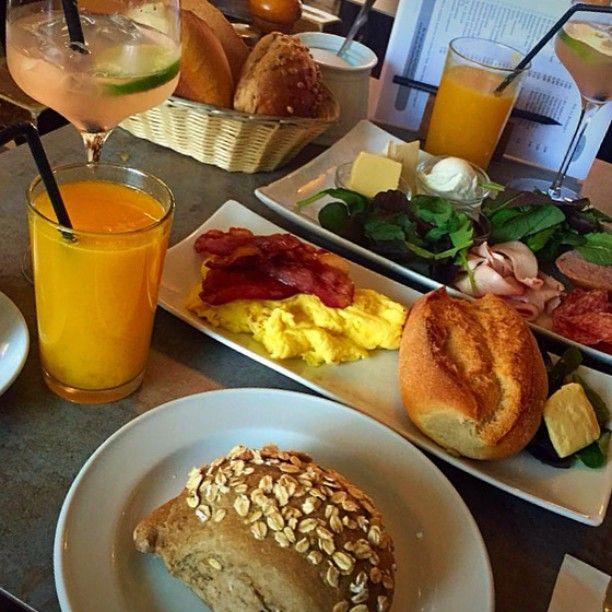 #Frühstück #latergram #sehnsucht #Ehrenfeld #köln #ichhabsehnsucht @cafe.sehnsucht und mehr dazu: http://essenisttoll.de/fruehstueck-im-sehnsucht-mit-rhasecco/