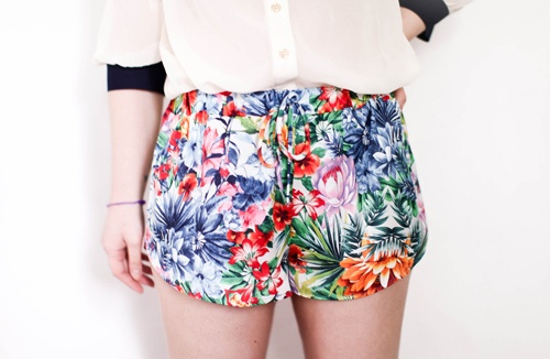 : Betty Chaqu, Floral Shorts, Minis Shorts, De Betty, Blog De, Blog Mode, Http Www Leblogdebetti Com, Chaqu Semain, Blog Tendanc