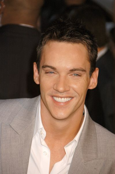 Jonathan Rhys Meyers. The hottest Henry VIII ever.... Ahhhh The Tudors!!