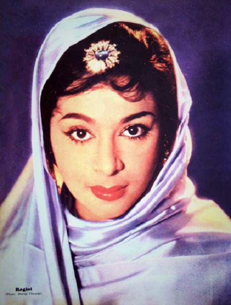 Ragini… sister of Padmini. Just feel like posting rare Bollywood pictures. ;)