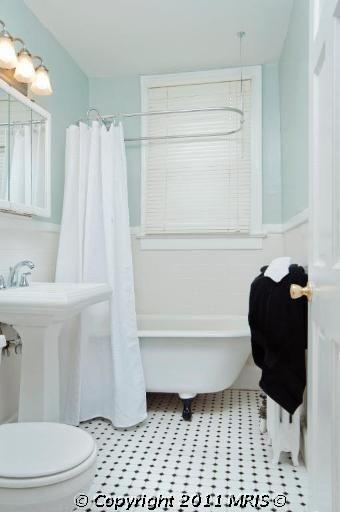 1820 Clydesdale Pl Northwest 209 Washington Dc 20009 Bathrooms