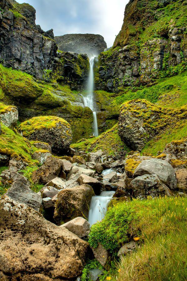 ✮ Small Icelandic Waterfall