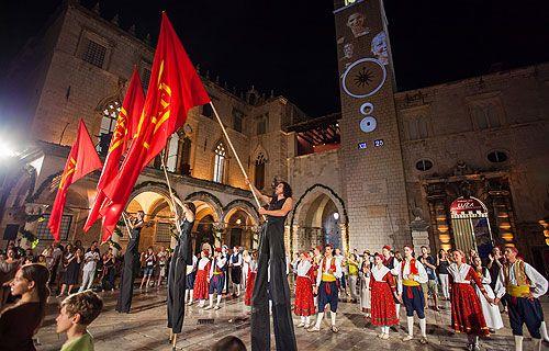 Minden évben nagy felhajtás övezi a Dubrovnik Nyári Fesztivált
