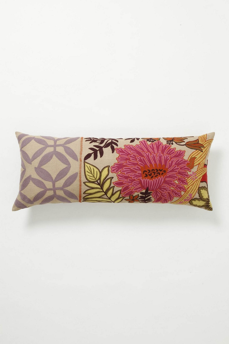 Floor Cushions Anthropologie : 122 best images about PiLLoW sTyLe on Pinterest Textiles, Floor cushions and French linens