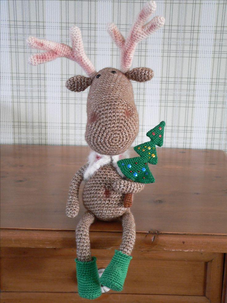 rendier, gehaakt met scheepjeswol stonewashed xl, jasje van drops, kerstboom en laarsjes: must have yarn.  Kooppatroon