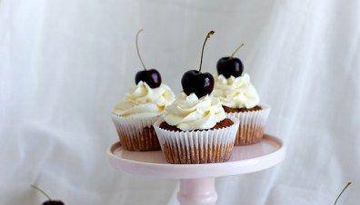 Cupcakes med kokos & kirsebær