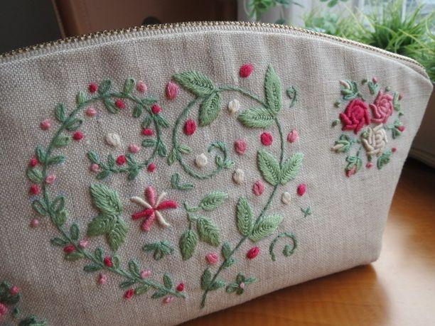 刺繍のマチ付きポーチ(バラ)P画像1
