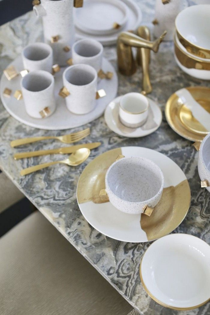 Kelly Wearstler collaborated with LA ceramics craftsman Ben Medansky, on a limited edition tableware collection called the Pyrite Collection.
