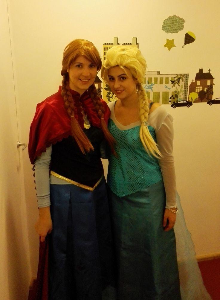 Anna & Elsa - Frozen party  Festa di compleanno per bambini a tema con i personaggi del film!  Animazione, catering, allestimento, inviti e favors... tutto a tema!  www.polveredifata.com