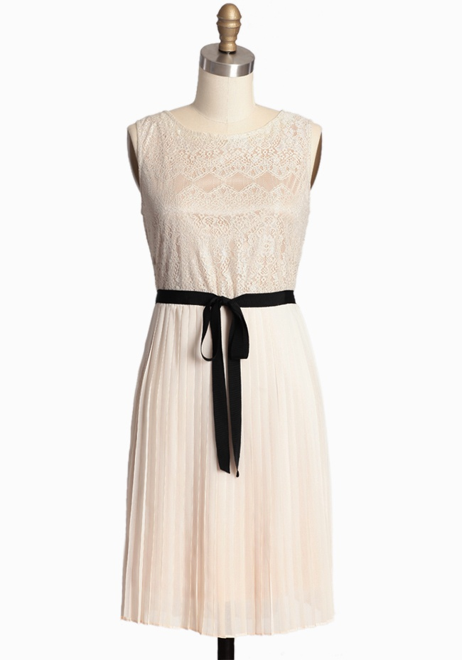 Elegant and timeless - loving this pleated chiffon skirt with black grosgrain ribbon - $42.99: Black Ribbon, Lace Tops, Vintage Dresses, Sight Pleated, Pleated Dresses, Modern Vintage Dress