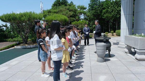 광양백운초등학교, 제62회 현충일 기념 광양 현충탑 참배