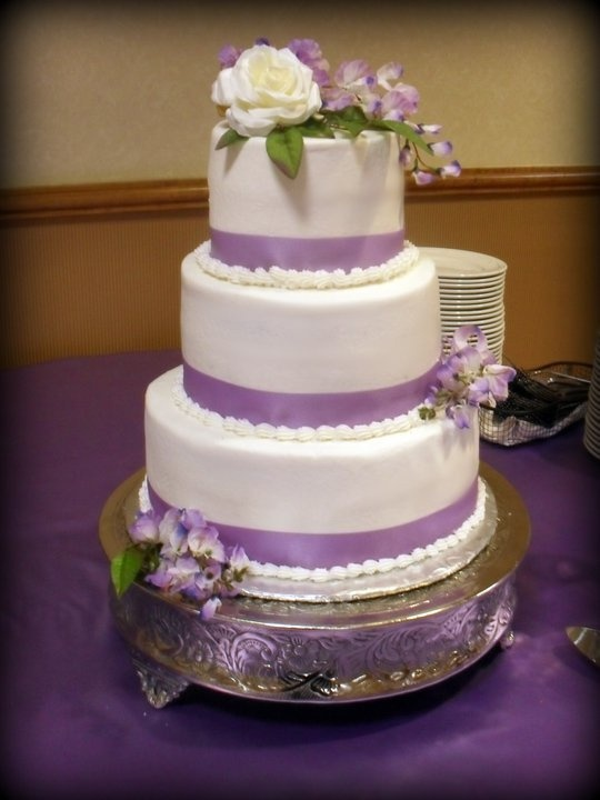 wedding cake lavender and white 17 best images about wedding ideas on purple 23063