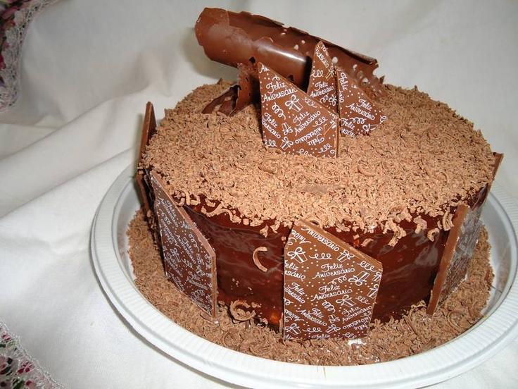 Bolo De Chocolate Decorado Cake Https Www Docemeldoces