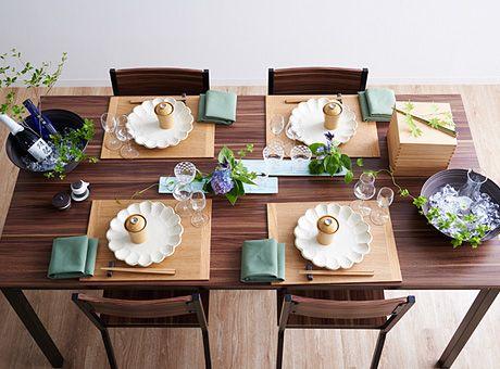 普段の食卓はもちろん、友人との集まりをいつもよりちょっとオシャレに楽しむテーブルコーディネートをご紹介!テーマはパーティー。和食器を使ったものからモノトーンベースのシックな大人コーディネートまで、テーブルクロス、ランチョンマット、ナプキン、食器、カトラリーを使って誰にでも簡単にできるテーブルコーディネートをご紹介します。楽天市場のアイテムで、好みのテーブルコーディネートを楽しみましょ�
