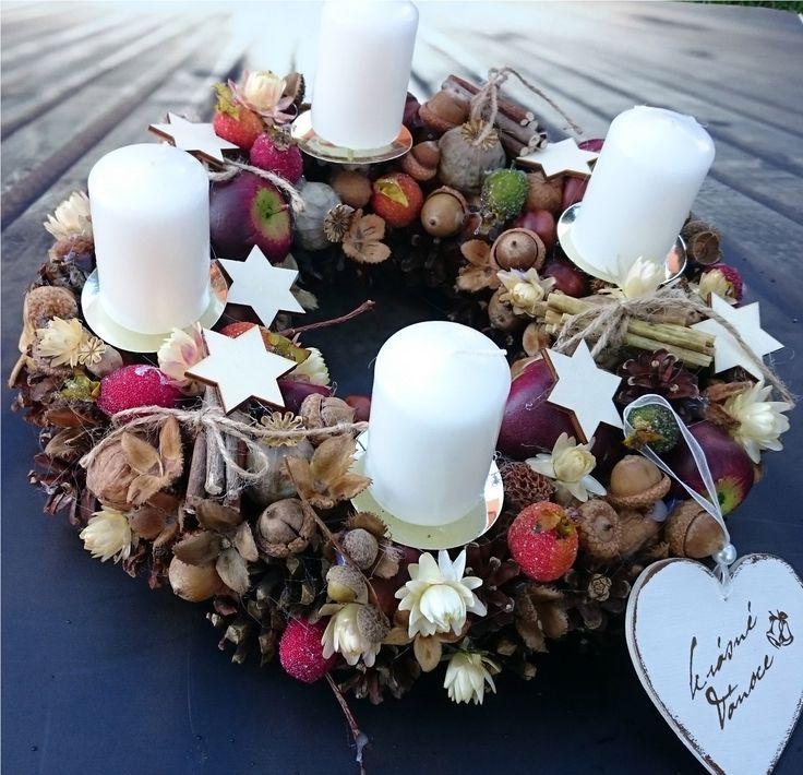 Adventní+Adventní+věneček+se+svíčkami+a+srdíčkem,+průměr+29+cm.