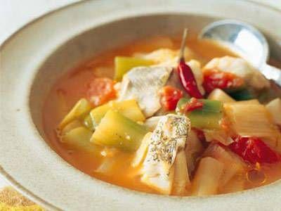 田口 成子 さんのねぎを使った「ねぎとたらのトマトスープ煮」。ねぎの甘味がたまらない、トマト風煮込みです。パンによし、ワインによしのあったかスープですよ。 NHK「きょうの料理」で放送された料理レシピや献立が満載。