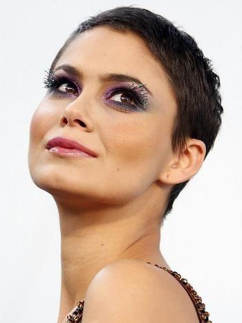 Ultra krátke vlasy u ženy - Voľné diskusie
