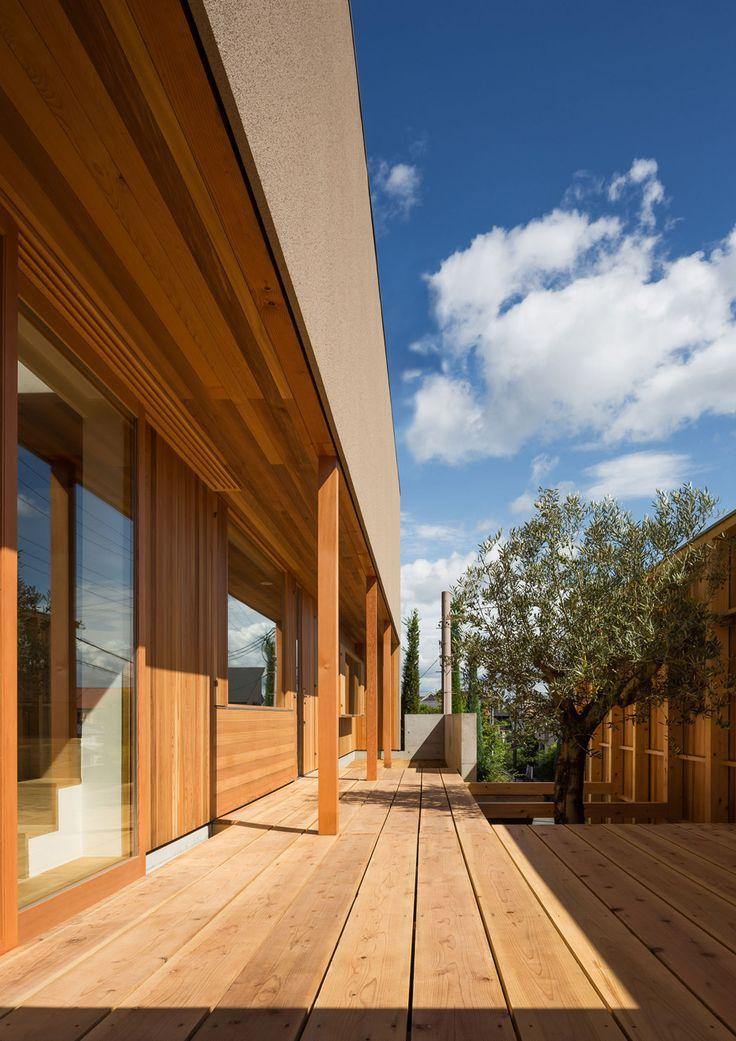 Perfect House In Nara By Keiichi Sugiyama Boasts A Raised Cedar Terrace