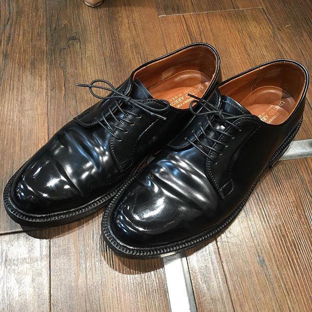 2017/06/06 08:04:38 hidenaotakagi #alden #aldenarmy #aldenshoes #オールデン #shellcordovan #新宿 #靴磨き #新宿靴磨き #shoecare #shoeshine #shoeshiner #shoestagram #shoeslover #mensshoes #mensstyle #mensfashion #メンズファッション #メンズ #ファッション #紳士靴 #靴 #革靴 #saphir #サフィール #足元倶楽部 #東京 #理容室 #バーバー#tokyo #nofilter