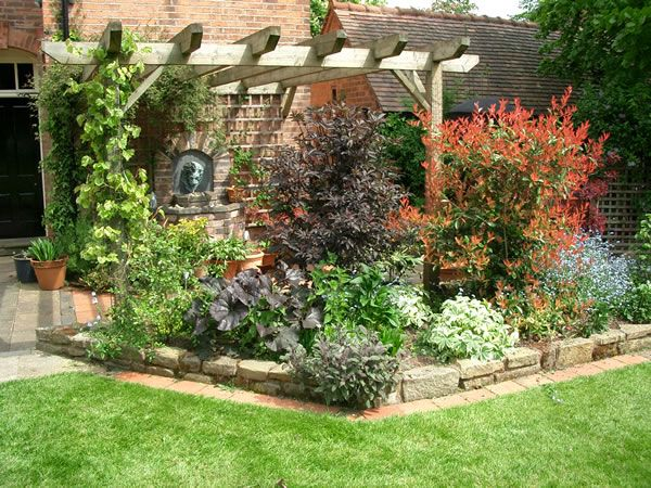 Add Height To A Small Garden With Trellis Or Gazebo Plant Contrasting Shrubs Climbing Give Feeling Of Much Bigger Space