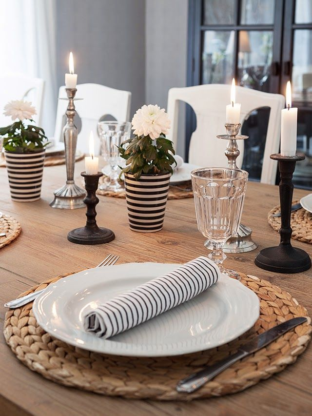 Black and white striped table decoration, modern, wooden table //Made In Persbo