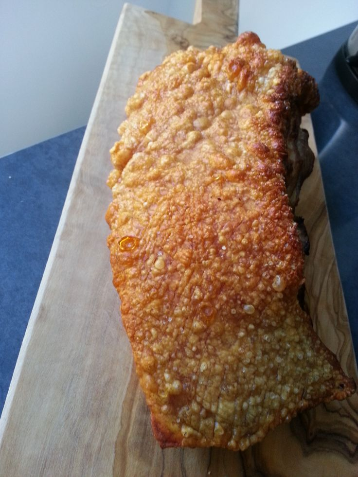 Geroosterd varkensvlees met een krokant zwoerd - siu yuk 脆皮燒肉