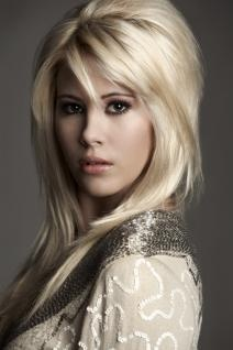 Shayne Lamas - don't know who the hell she is, but I kinda like her hair.