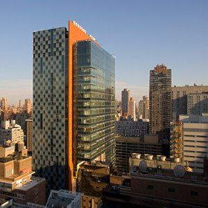 The Mortimer B. Zuckerman Research Building provides an inspiring and efficient environment for cancer research, and a distinguished civic identity for Memorial Sloan-Kettering (MSK) Cancer Center. Located on a dense urban site, the building offers MSK's