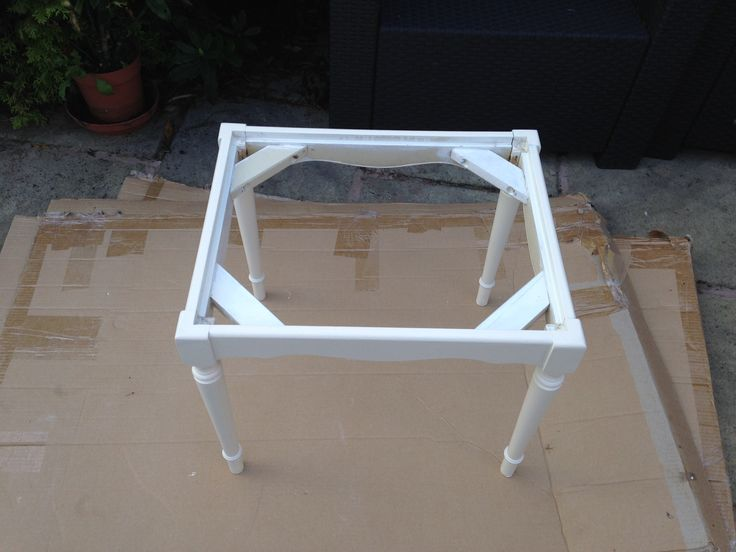Dressing table stool: new paintwork