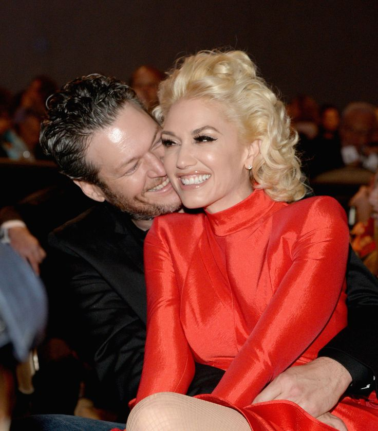 Gwen Stefani and Blake Shelton Are Valentine's Day Official...they're not Mr. & Mrs., but I hope they will be  <3