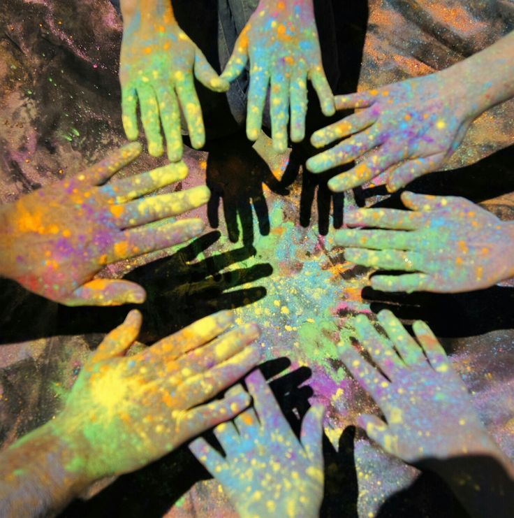 color fest, hands, family photography, Anderson Photography