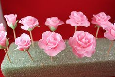 Fondant Roses Tutorial | Gwen's Kitchen Creations