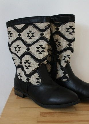 Kaufe meinen Artikel bei #Kleiderkreisel http://www.kleiderkreisel.de/damenschuhe/stiefel/150080685-neu-stiefel-aztekenmuster-schwarz-weiss-grosse-39
