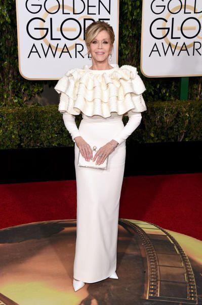 "Golden Globe Awards: tutti gli abiti bianchi ""sposa"" visti sul red carpet"