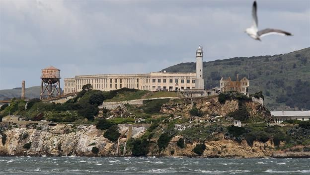 #HTE August 11 1934: Federal prisoners land on Alcatraz A group of federal prisoners classified as most dangero